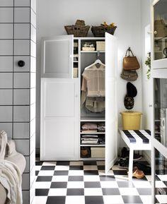 IKEA Österreich, Inspiration, Wohnzimmer, Regal BESTÅ, Front BESTÅ VASSBO, Korb BYHOLMA