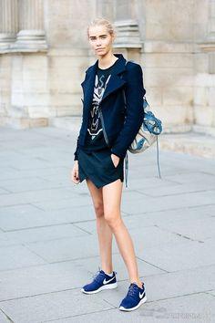 f260e7a7bef3e Basket blanche femme swag tenue femme moderne tendance baskets bleu nike  chouette veste noir