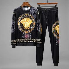 men's street style outfits for cool guys Versace Suits For Men, Versace Shirts, Versace Men, Versace Sneakers Men, Street Style Trends, Casual Street Style, Street Styles, Versace Tracksuit, Versace Fashion