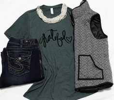 Tis' the Season to be Grateful! This holiday season is all about dressing comfortable and what better way to do that than with a cute and comfy tee from Minted Threads.