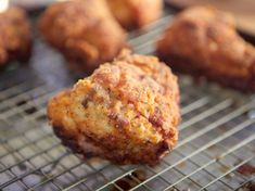 Midwestern Fried Chicken with Gravy Recipe : Amy Thielen : Food Network - FoodNetwork.com