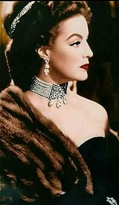 Maria Felix Hollywood Glamour, Hollywood Stars, Classic Hollywood, Old Hollywood, Hollywood Actresses, Divas, Vintage Glam, Vintage Beauty, Yves Montand