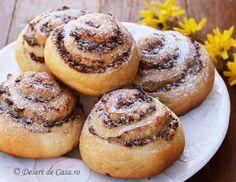 Melcisori cu nuca Vegan Sweets, Sweets Recipes, Desserts, Bagel, Doughnut, Tiramisu, Sweet Tooth, Muffin, Low Carb