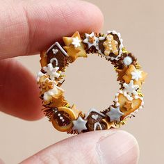 """Miniature Christmas wreath"