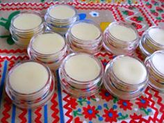 DIY easy 2-step all natural lip balm! #DIY #cosmetics