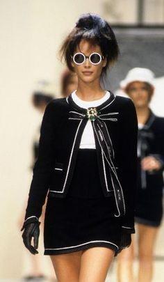 Christy Turlington - CHANEL Runway Show 1994