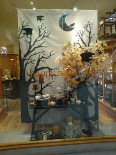 Halloween display ideas display ideas maybe make seasonal backdrops for booth out of canvas painters window . Halloween Window Display, Halloween Backdrop, Halloween Displays, Holidays Halloween, Halloween Decorations, Fall Window Displays, Marcos Halloween, Halloween Fotos, Scary Halloween