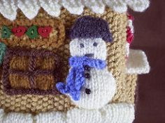 This is the ninth in a series of 24 linked patterns, published daily in December 2014, to decorate a knitted Gingerbread House. The pattern for the house itself is published separately.