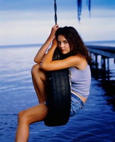 Katie Holmes as 'Joey Potter' in Dawson's creek. Katie Holmes, Joey Potter, Types Of Girls, Body Measurements, Beautiful Actresses, Rolling Stones, American Actress, Beautiful Women, Beautiful People