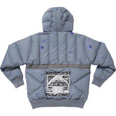 C.E. HALF-ZIP PUFFER JACKET ¥68000   ハーフジップ。左袖上部にシリコンパッチ。リブ編みの袖口、裾。フロントにスライドファスナーポケット。フードにドローコード。バックにグラフィック入りのパッチ。全面にグラフィク。