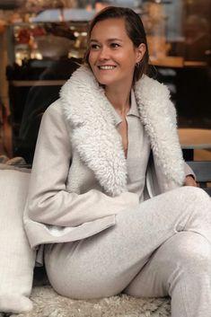 Fur-Wool Mix Cropped Coat deguy.no Fur, Wool, Jackets, Down Jackets, Feather, Fur Coat, Jacket, Fur Goods
