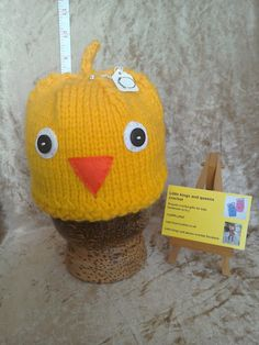 handmade yellow chick Easter baby hat photo by kingsnqueenscrochet