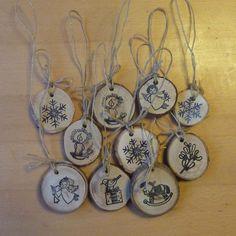 Vánoční ozdoby z dřevěných plátků