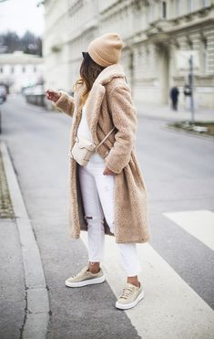 This winter I wore this HM teddy coat more than any other coat I own, and for a good reason. Here one more way to wear it. Casual Winter Outfits, Winter Fashion Outfits, Autumn Winter Fashion, Fall Outfits, Casual Fall, Flannel Outfits, Outfit Winter, Winter Style, Fall Fashion