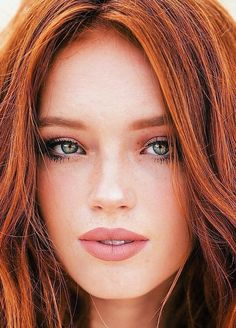 Redhead Hairstyles, Korean Hairstyles, Red Hair Woman, Beautiful Red Hair, Girls With Red Hair, Gorgeous Redhead, Redhead Girl, Stunning Eyes, Strawberry Blonde