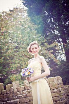 Laurel Weddings Flowers  www.laurelweddings.com. @Lorna Roberts  Photography.