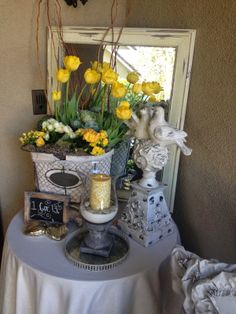 She turns ordinary objects into spectacular arrangements - Mindy Laven Interiors
