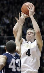 Robbie Hummel was named the Boilermakers' 2012 MVP on Thursday night at the 2012 Purdue Men's Basketball Postseason Banquet!