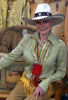 Cowgirls kick ass hat pam