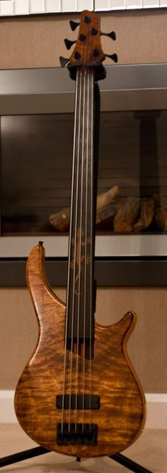 Warmoth fretless bass