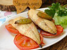 Fırında Hamsi Buğulama Tarifi, Nasıl Yapılır? (Resimli)   Yemek Tarifleri Fish Recipes, Seafood Recipes, Mexican, Meals, Ethnic Recipes, Hat Patterns, Wordpress Theme, Magazine, Street