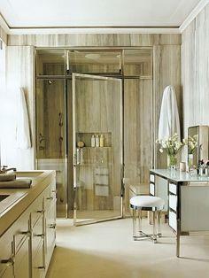 Box para banheiro com porta pivotante em vidro