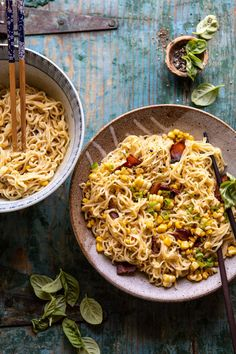 20 Minute Ramen Carbonara with Herb Buttered Corn. This quick and easy Italian meets Asian dish is such a fun twist on traditional ramen. Pasta Recipes, New Recipes, Dinner Recipes, Cooking Recipes, Ramen Recipes, Entree Recipes, Delicious Recipes, Recipies, Yummy Food