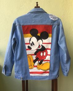 With invader zim? Painted Denim Jacket, Painted Jeans, Painted Clothes, Hand Painted, Diy Jeans, Custom Clothes, Diy Clothes, Denim Kunst, Estilo Jeans
