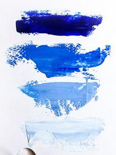 Blue acrylic paints gradation. #acrylicpaints #bluecolor #blue #colorgradation