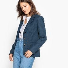 Product details • Blazer • Fitted cut• Button fastening• Buttoned cuffs • Elbow patches Fabric content and care advice • 30% wool, 70% polyester • Lining : 100% pol yester. • Please refer to the care instructions on the garment label.