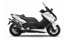 2012-Yamaha-T-MAX-ABS-EU-Competition-White-Studio-002