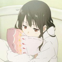 The perfect Anime Pillow Animated GIF for your conversation. Anime Love, Cute Anime Pics, Sad Anime, Anime Triste, Girls Anime, Kawaii Anime Girl, Manga Art, Anime Art, Anime Gifs