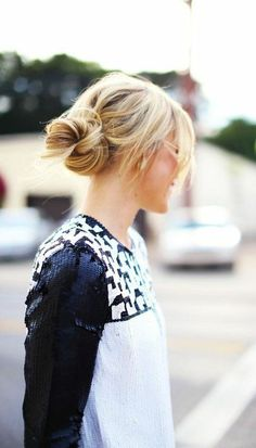 A lot of women consider the bun as their favorite go-to hairstyle because of how easy it is to do and wear.