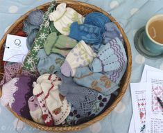 knitted sweater pattern for little cotton rabbits - - Yahoo Image Search Results Knitted Bunnies, Knitted Animals, Knitted Dolls, Crochet Toys, Knit Crochet, Chrochet, Knitting Blogs, Sweater Knitting Patterns, Crochet Patterns