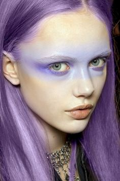 purple hair and make up Frida Gustavsson. I love this hair color so much. #hairstlyes