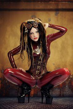 wondrous-beauties:  Miss Terrorcat Photography: Lichtbilder