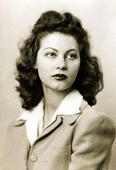 Ava Gardner, 1938, vintage, actress, 16 years of age.