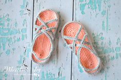 FREE Crochet Pattern: Women's Slippers Sandals   A fun and quick project. Pretty and comfy slippers, perfect for the warmer months!
