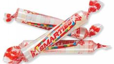 Halloween Candy Calories: 1 roll of Smarties = 25 calories. For each roll to reach for, you'd have to tread water for six minutes to burn off those calories. Kraft Dinner, Dinner Box, Diabetes, Penny Candy, Low Blood Sugar, Candy Wrappers, Halloween Candy, Halloween Queen, Happy Halloween