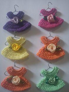 PRECIOUS FINDINGS: Cutieful miniature dress ♥LCPF♥ with diagram -----Solo esquemas y diseños de crochet: VESTIDITOS MINIATURAS PASO A PASO...POR FIN!!
