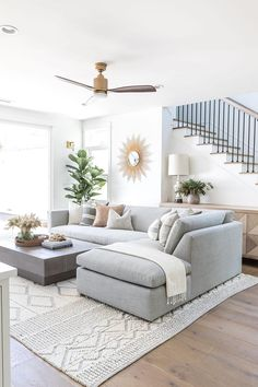 Boho Living Room, Living Room Modern, Living Room Interior, Home And Living, Living Room Designs, Cozy Living Rooms, Living Room On A Budget, Accent Chairs For Living Room, Living Room Sofa