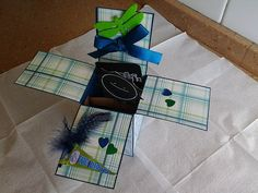 Green and Blue Gift Wrapping, Green, Gifts, Blue, Scouts, Paper Wrapping, Presents, Wrapping Gifts, Favors