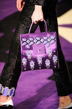 Borse Prada, shopper e tote in vernice colorata | bags .... bags ...