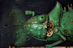 Ele cria incríveis esculturas no estilo steampunk com materiais que virariam lixo - O artista lituano Artūras Tamašauskas cria incríveis esculturas steampunk com materiais que normalmente virariam lixo.