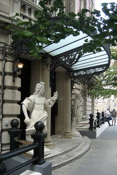 E. 82nd Street entrance to the Benjamin N. and Sarah Duke house (SE corner of Fifth Avnue) NYC