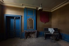 An abandoned chateau in France, by Le Luxographe