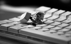 The combination of Star Wars characters and LEGOs is definitely a popular mixture. Check out some of our favorite LEGO Star Wars images. Lego Star Wars, Theme Star Wars, Lego Stormtrooper, Imperial Stormtrooper, Starwars Lego, Chewbacca, Jar Jar Binks, Dual Monitor, Timeline Cover