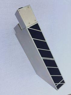 Domaplasma IQS-650. Geschikt voor downdraft, plafond afzuigkappen en werkbladafzuiging.  o.a. Sokkel inbouw,  (Maatvoering +/- 650x400, H 98mm  (ventilatorvermogen van 600 tot en met 850 m3/h) Kanaalaansluiting 220x90 mm.   De IQS-850 VDE Sokkel-Luchtzuivering. Leverbaar vanaf Q3-2016, (Maatvoering +/- 750x400, H 98mm (ventilatorvermogen van 850 tot en met 1.060 m3/h) Kanaalaansluiting 220x90 mm.  Certificering: Domaplasma® unit is VDE gekeurd. info@axiair.nl Tie Clip, Accessories, Tie Pin, Jewelry Accessories
