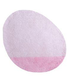 MiPetiteLife.es - Alfombra Lilipinso infantil stone rosa claro. Bi-colores y diseño de la alfombra. Alfombra Pequeño, todas únicas con formas originales.  Para una suave y esponjosa para jugar o simplemente tumbarse espacio.De luz, los niños pueden moverse con facilidad para adaptarse a susnecesidades.  Disponible en 8 colores armoniosos. Fabricación artesanal. Alfombra de algodón Fabricación : India www.MiPetiteLife.es