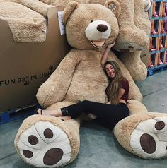 bear and teddy image Huge Teddy Bears, Giant Teddy Bear, Big Bear, Teddy Girl, Bear Girl, Daddy Bear, Costco Bear, Pyjamas, Selfies